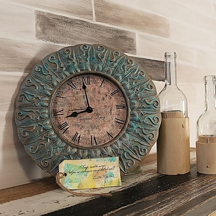 Casetta Perpetua    Timpul patinează în cercuri grațioase și înnobilează amintirile frumoase.     Este povestea pe care o ticăie ceasul de perete Perpetua de la Casetta, o piesă unicat pictată manual.