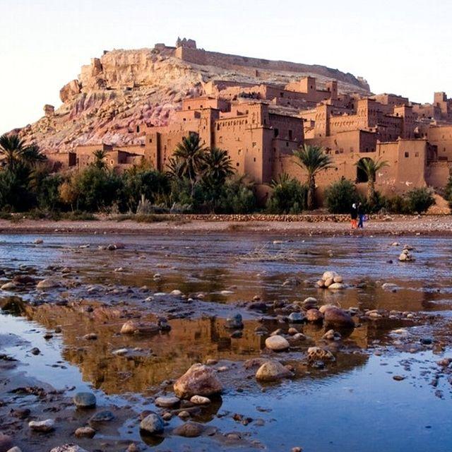 Il fiume che circonda la cittadella fortificata di #AitBenHaddou #Marocco