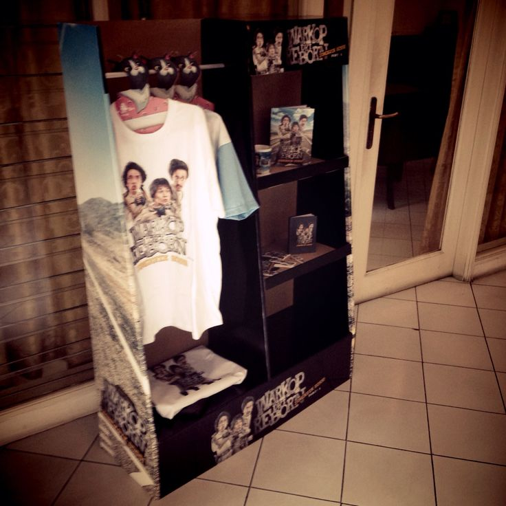 corrugated rack with gloss sticker.. warkop project...