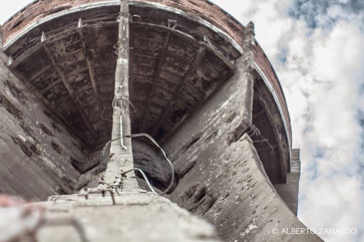 Sul blog una prima trance dal tour balcanico della settimana scorsa: l'acquedotto di Vukovar (Croazia)