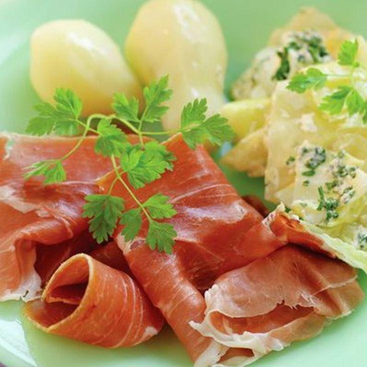 Spekemat til middag har vi århundre lange tradisjoner på i Norge. Sammen med poteter, kål, eggerøre eller andre gode grønnsaker, spiser du deg både mett og fornøyd.