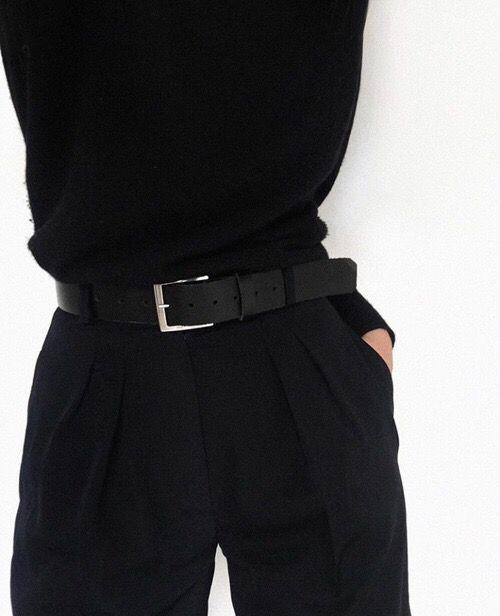Minimal all black style