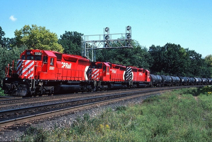Cp cpr canadian pacific sd40 5561 leads acid train nice