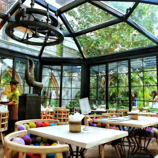 Food Blog Bali  an exciting dining experience while enjoying my meal in their own unique world bistro.     @gardin_allin    #thematic #garden #glasshouse