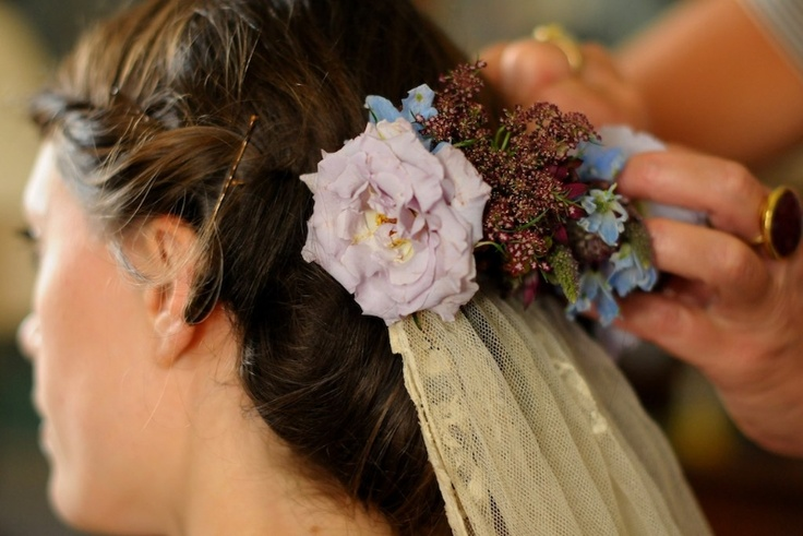 a head piece i did whilst working with Kitten Grayson the best florist around!