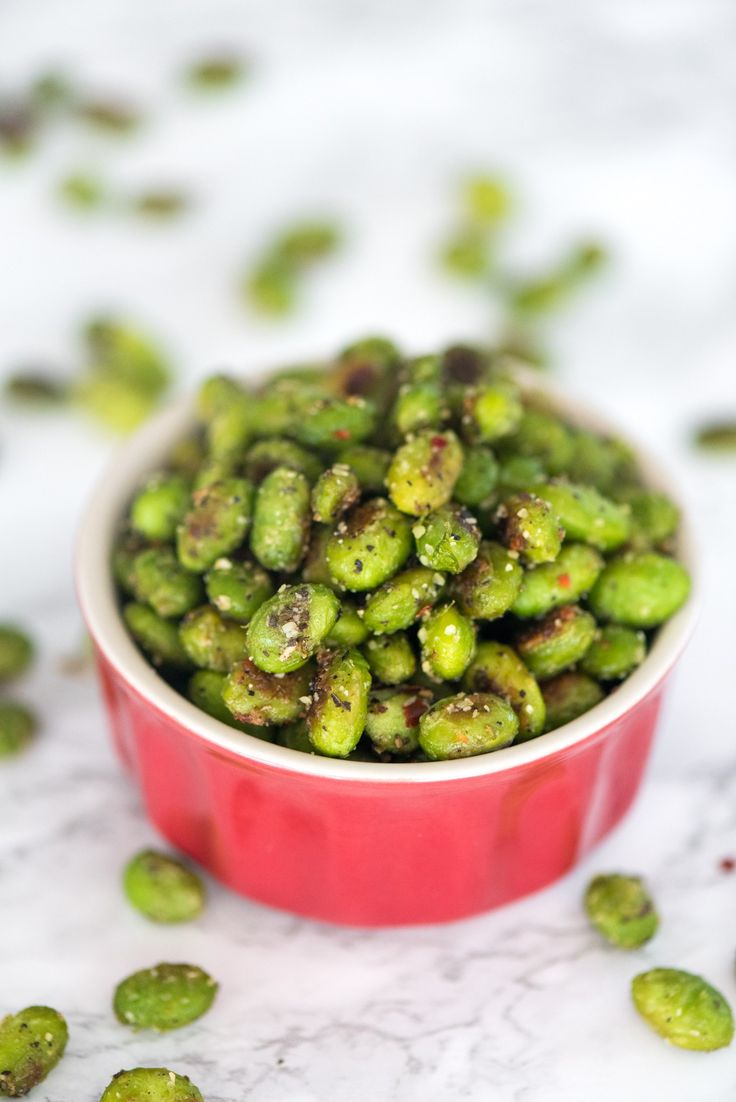 Crispy Snack Edamame- this recipe is so easy and is the perfect addictive healthy snack!