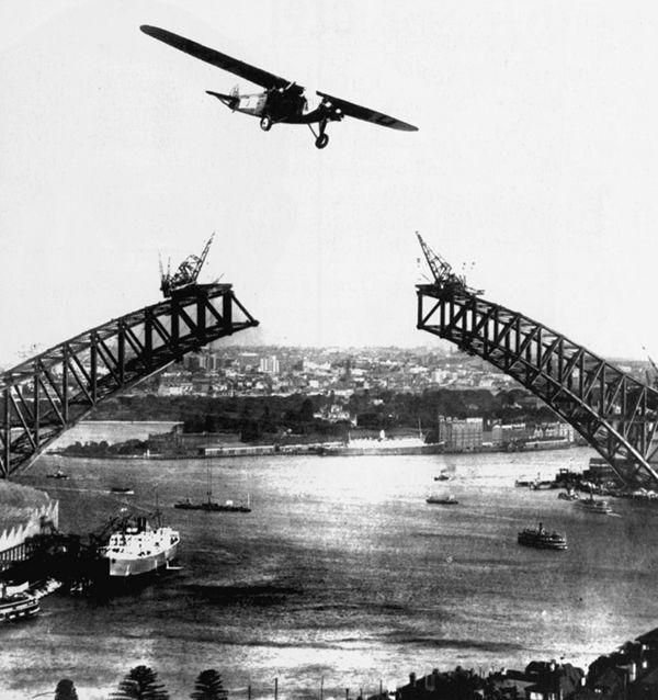 Photograph taken during the construction of the Sydney Harbour Bridge