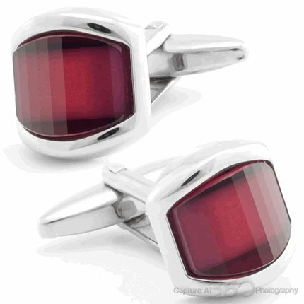 Red Onyx Cufflinks. More style news, suit reviews, tips & tricks and coupons at www.indochino-review.com #IndochinoReview