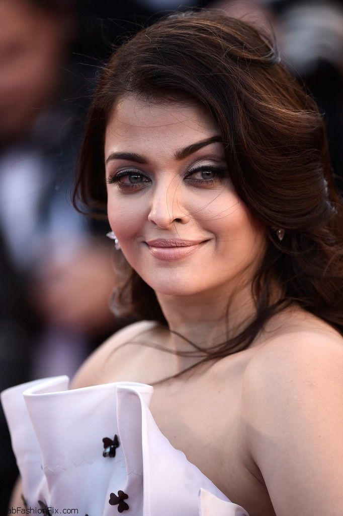 "Aishwarya Rai Bachchan at the Premiere of ""Youth"" during the 2015 Cannes Film Festival. #cannes #aishwaryarai"