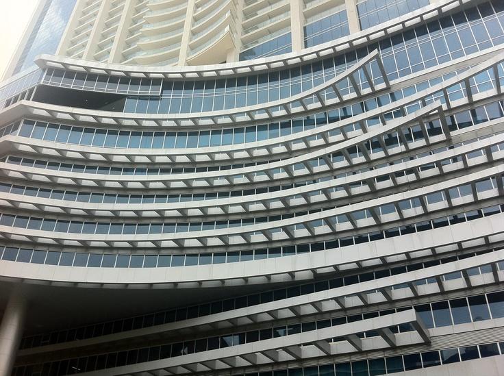 Detalle de la fachada del Hard Rock Hotel de Panamá / Detail of HRH's façade