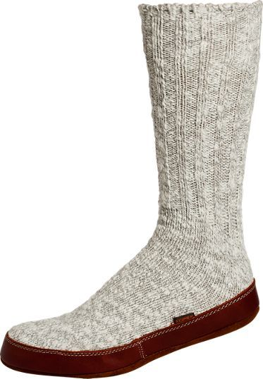 Acorn slipper socks with leather soles are made of a cotton-rich wool blend making them soft and stretchy. Sueded leather soles are padded and cushiony.
