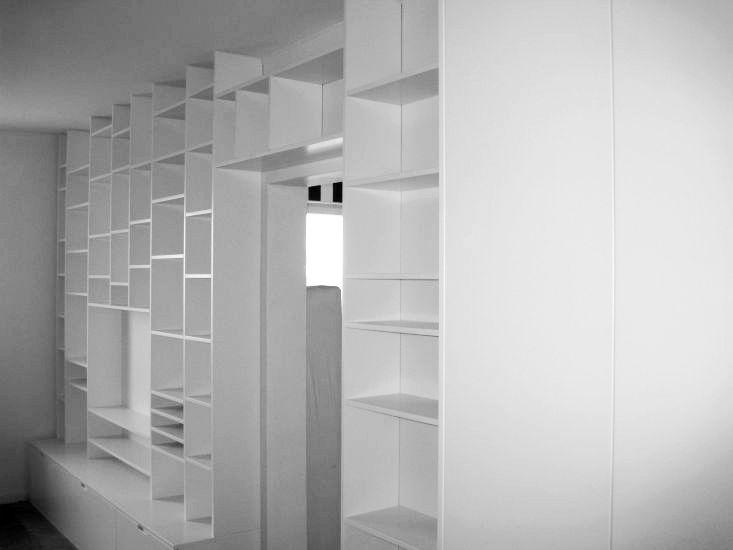 specialbyggd-bokhylla-platsbyggd-design-mattanpassade-skraddarsytt