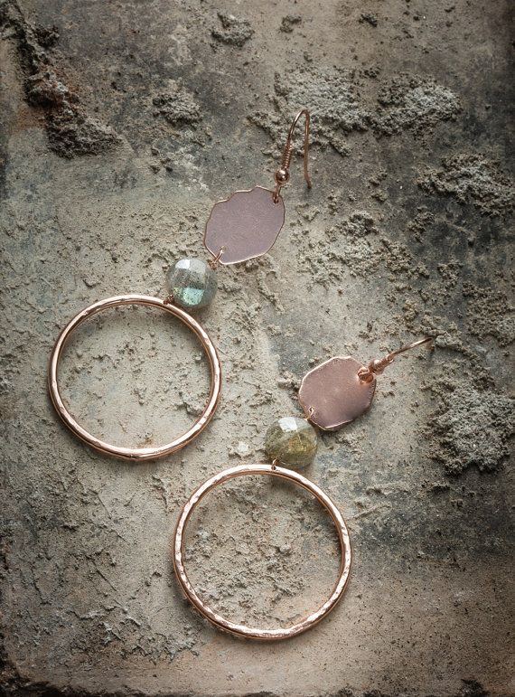Handcrafted hoop earrings pair, totally handmade. In hand hammered, 18K rose gold plated and vitrified brass. With grey labradorite stone.