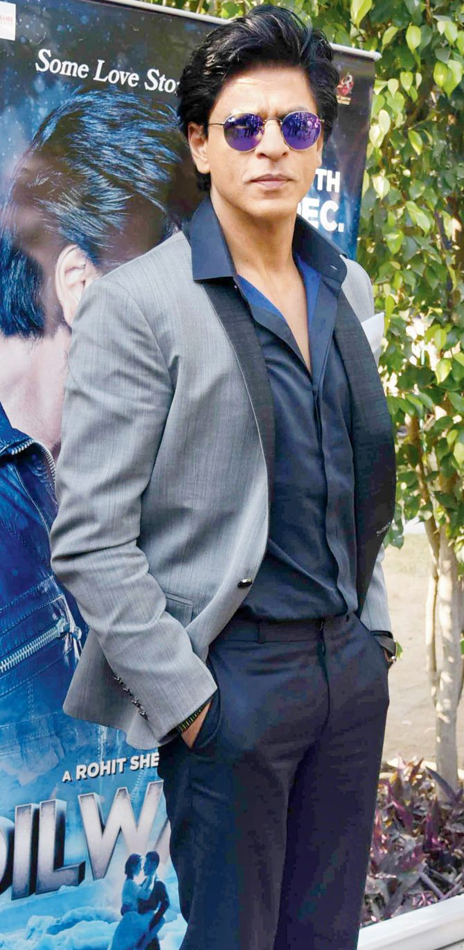 Shah Rukh Khan at #Dilwale's promo event. #Bollywood #Fashion #Style #Handsome