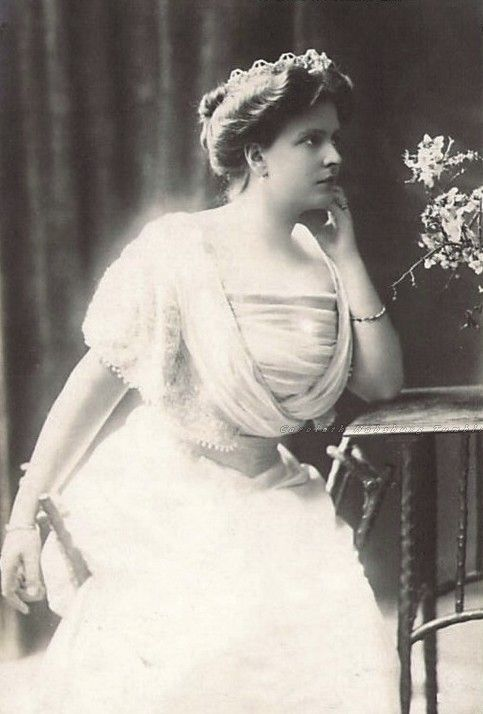 Princess Alice of Greece, neé Princess Alice of Battenberg, 1900s
