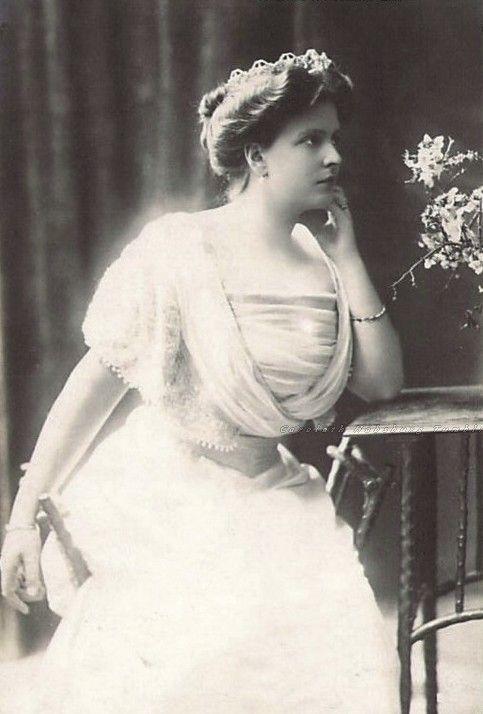 Princess Alice of Greece, neé Princess Alice of Battenberg, 1900s