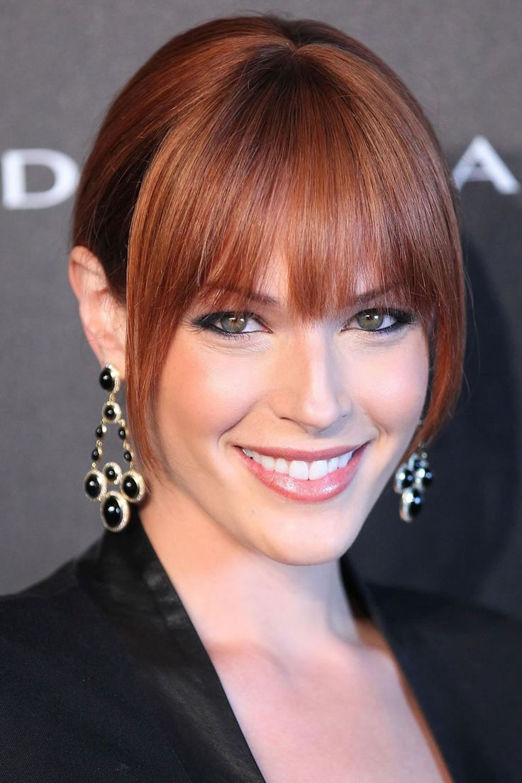 "Amanda Righetti (from ""The Mentalist"") is gorgeous! I love her reddish hair, green eyes and fair skin - she looks so much more Irish than Italian, haha!"