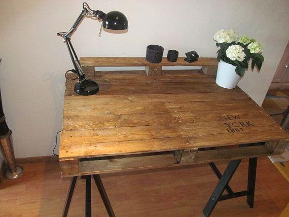 einzigartiger Schreibtisch aus Industriepalette von FabrikChic