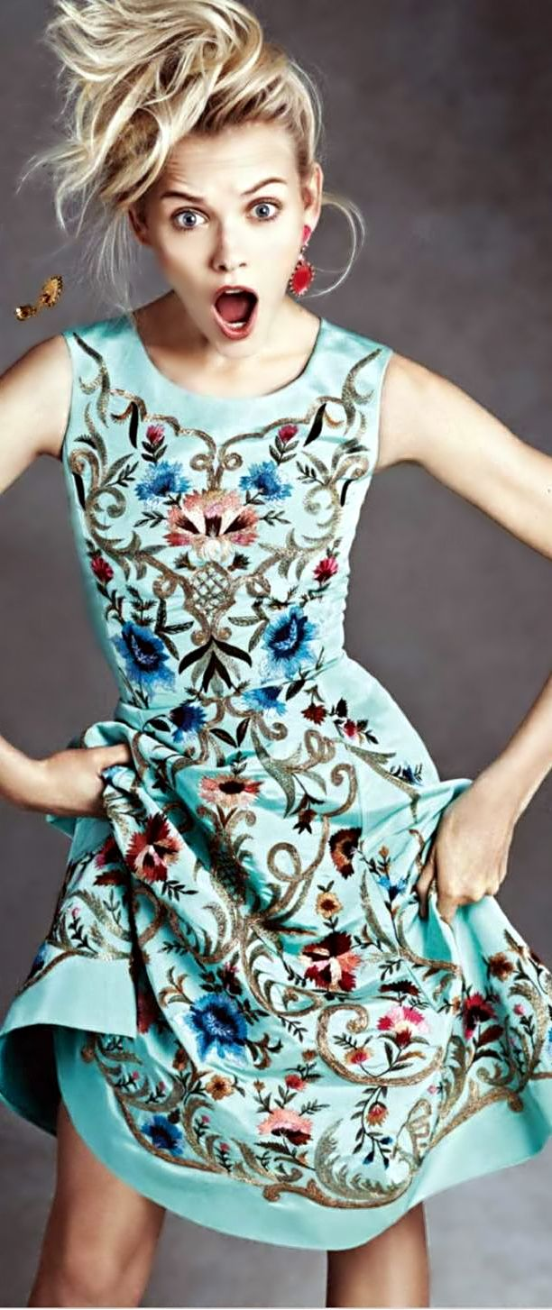 I love the whole folksy embroidery thing going on right now. Gorgeous embroidered Oscar de la Renta dress. Ready for spring!