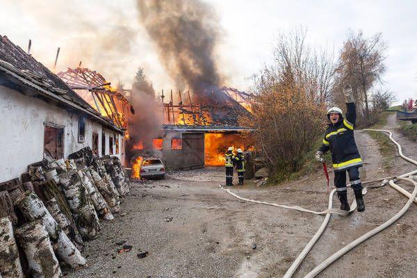 Krems Land: Großbrand in Großreinprechts