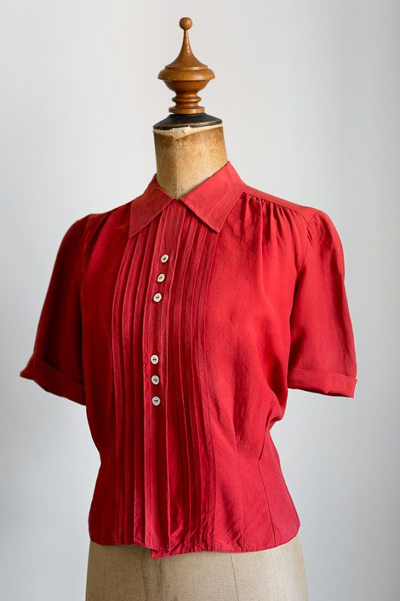 ☾ Vintage 1940s Vintage Rayon Blouse ☽  Beautiful deep red 1940s blouse with pintucks and puff sleeves  Fabric Feels like rayon-cotton blend