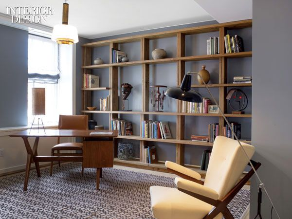 Classic #mid #century modern art interiors. La combinación de la librera con la alfombra hace sentir que estás en una oficina de zona 1 #Guatemala