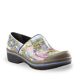 love these: Rain Shoes, Vegans Shoes, Shoes Footsmart Com, Woman, Shoes Footsmartcom, Women Volley, Volley Rain, Dansko Clogs, Dansko Women
