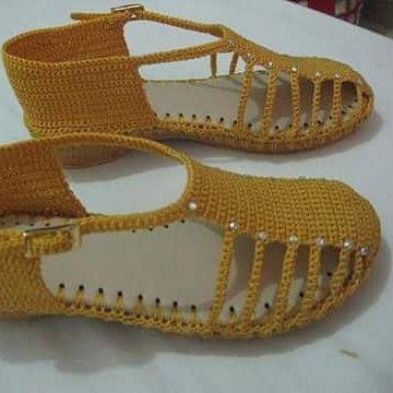 Sandalia mostaza. #juvenil #tejiditos #creatividad #crochet #hechoencolombia #hechoamamo #tallas #colores