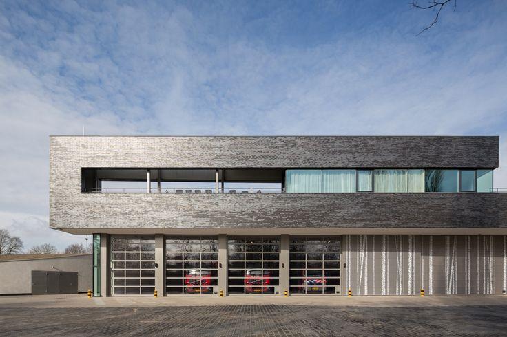 533113a3c07a805680000087_fire-station-doetinchem-bekkering-adams-architects_08-_bekkering_adams_architects_fire_station_doetinchem_front_ele...