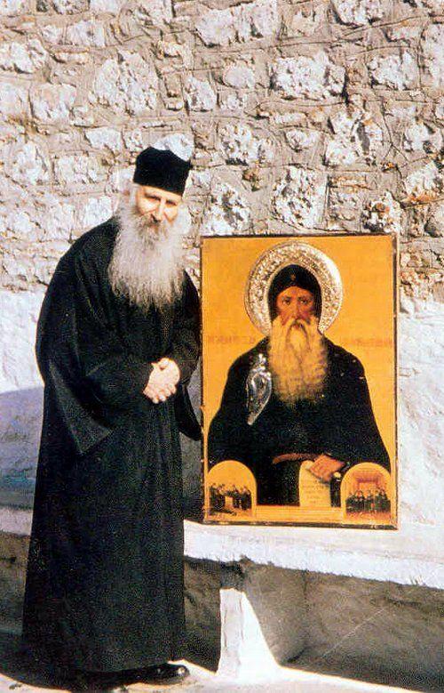 Ο πατήρ Ιάκωβος Τσαλίκης, Ηγούμενος της Ιεράς Μονής Οσίου Δαβίδ ...