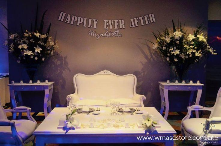 Backwall bride and groom table: Happily ever after  // Fondo de mesa principal