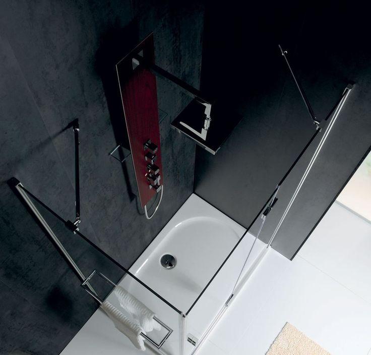 Bezrámové pantové zástěny VITRA LINE se vyznačují moderním designem, který zaujme i náročného zákazníka. Úzké stěnové lišty, elegantní madla a minimalistické panty jsou dokonale sladěny a poskytují zástěnám jedinečný vzhled.