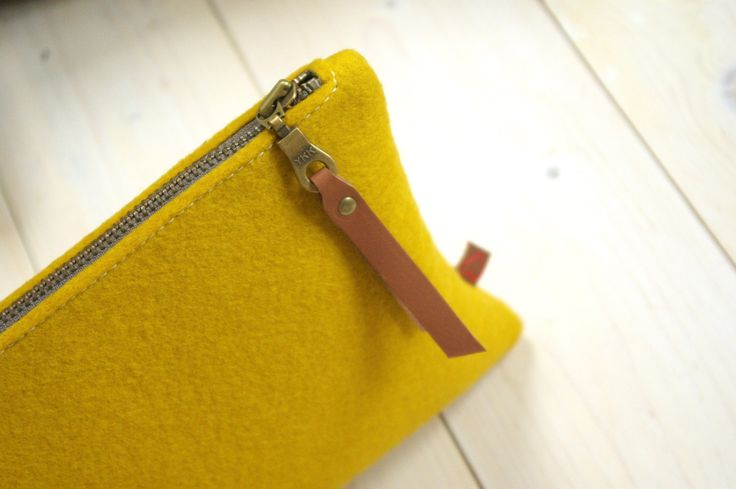 In case you missed it, the sun is shining 🌞 here you go 🙌 FELT POUCH in #yellow #woolfelt #clutch #detailsdetails #mustard  https://www.etsy.com/listing/487385097/felt-pouch-large-pencil-case-makeup-bag?utm_campaign=crowdfire&utm_content=crowdfire&utm_medium=social&utm_source=pinterest