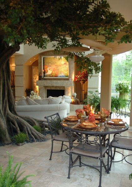 Loving this gorgeous indoor/outdoor atmosphere with lovely fall dinner setting.