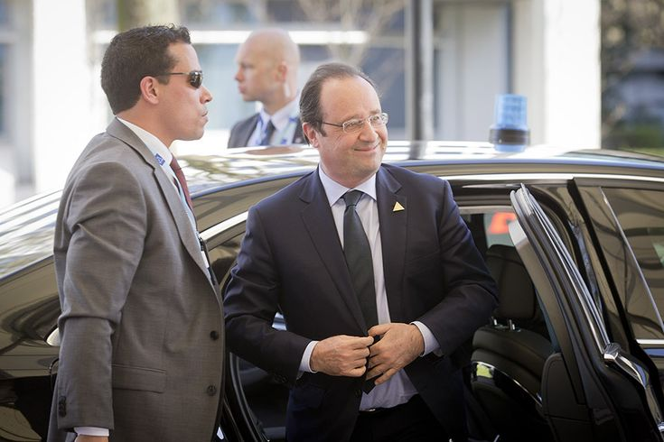 French president Francois Hollande - Made possible by www.iCraiova.com