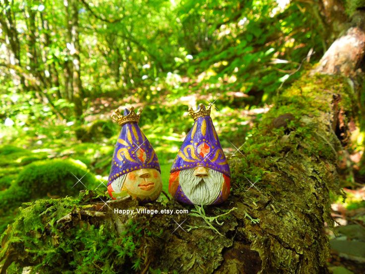 My Royal Gnome couple by Happy Village.etsy.com #miniaturegnome #gnome #happyvillage #happyvillageetsy #happyvillageartwork #clay #Fairygardengnome #gnomecouple #miniaturegardengnome #miniaturegnomegirl #girlgnome #fairygnome, #fairygnomes #cutegnome #miniaturegardengnome #miniaturegnome #miniaturegnomes #terrariumaccessories #minignomes #tinyart #small #fairygarden