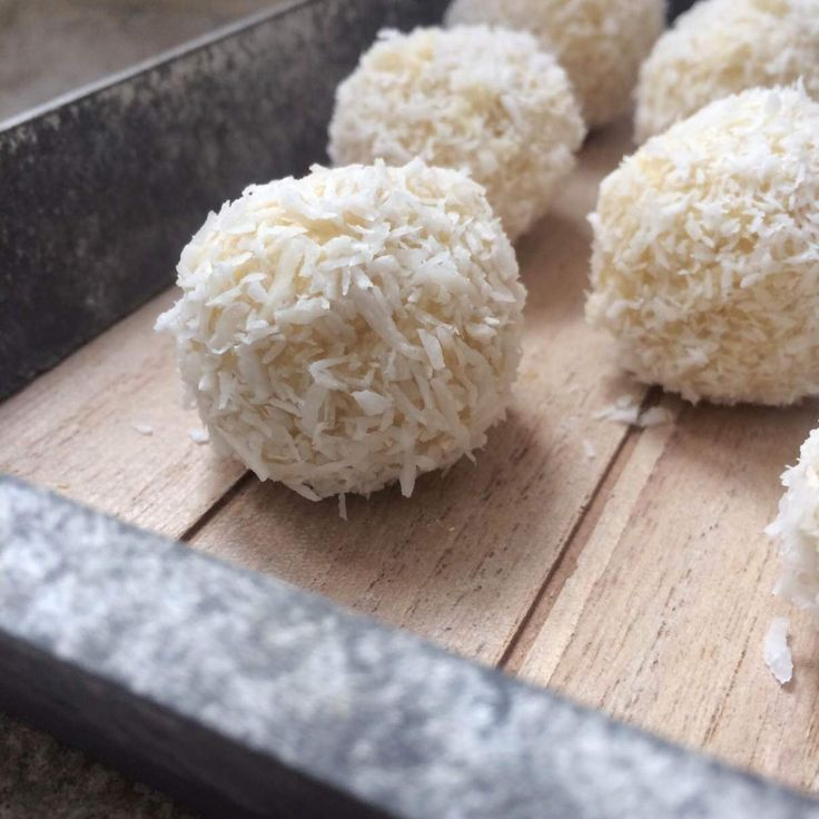 Millet coconut bliss balls