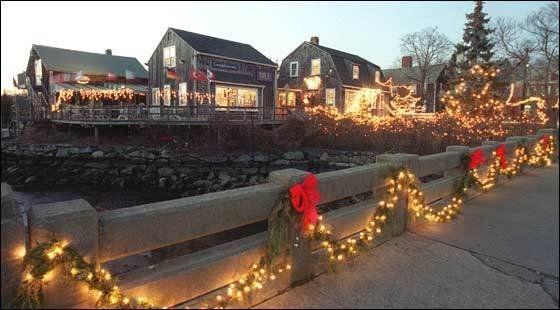 Festival of Lights, Wickford Harbor, RI. Christmas celebration.Lights, Rhode Islands, Christmas Celebrities, Mish Mashed, Favorite Places, Wickford Harbor, Beautiful Places, Farmers Marketing, Wonder Seasons