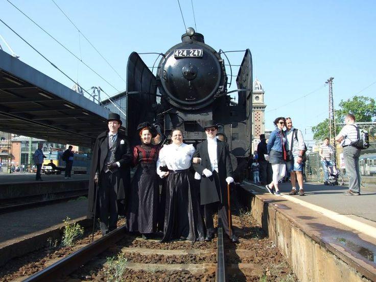Gőzfelhős nosztalgia vonatozás a Dunakanyarban