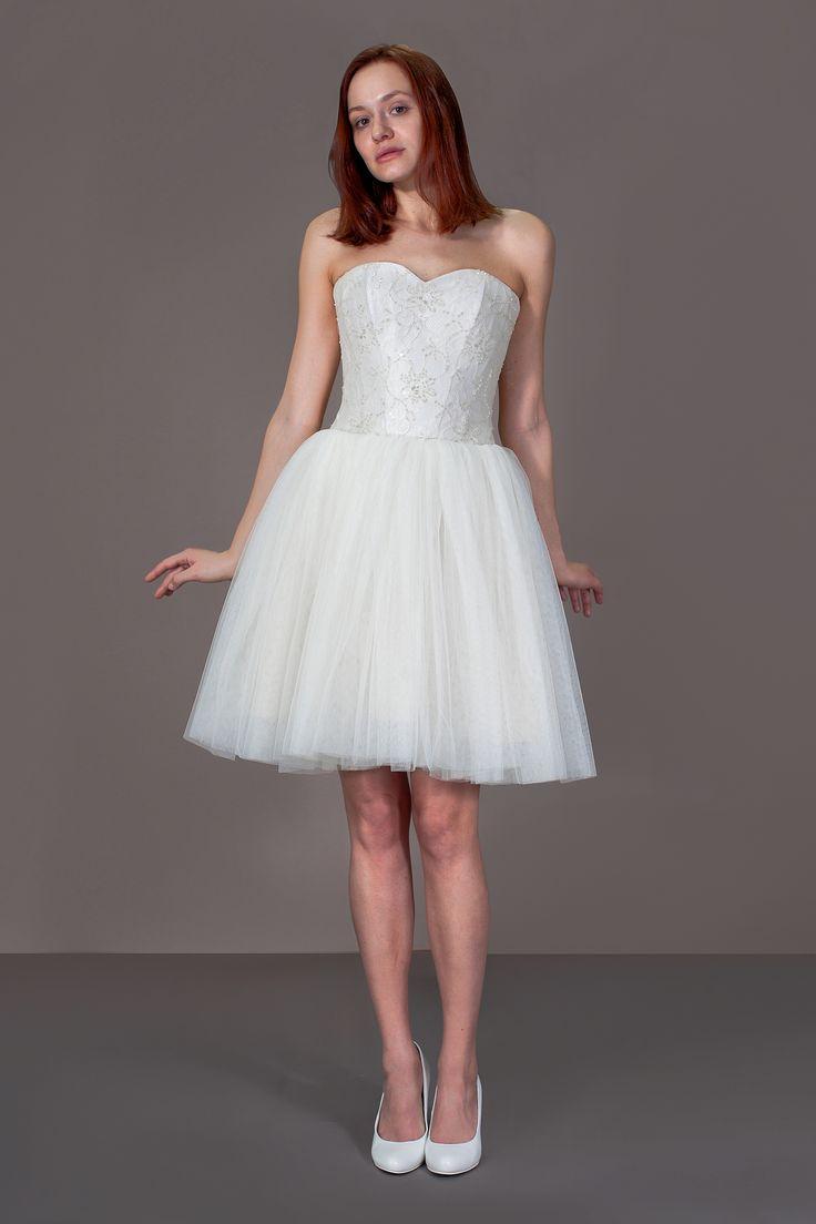Короткое свадебное платье, пышная юбка, кружевной корсет, еврофатин