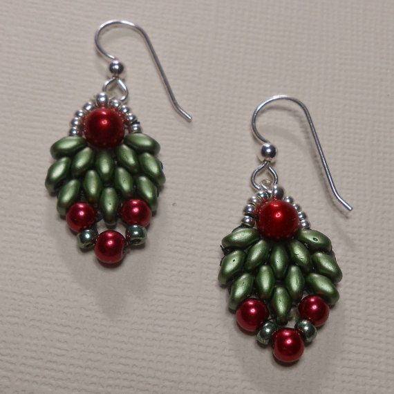 A Little Holiday Cheer for your Ears Bead by SLeeKBeadedJewelry