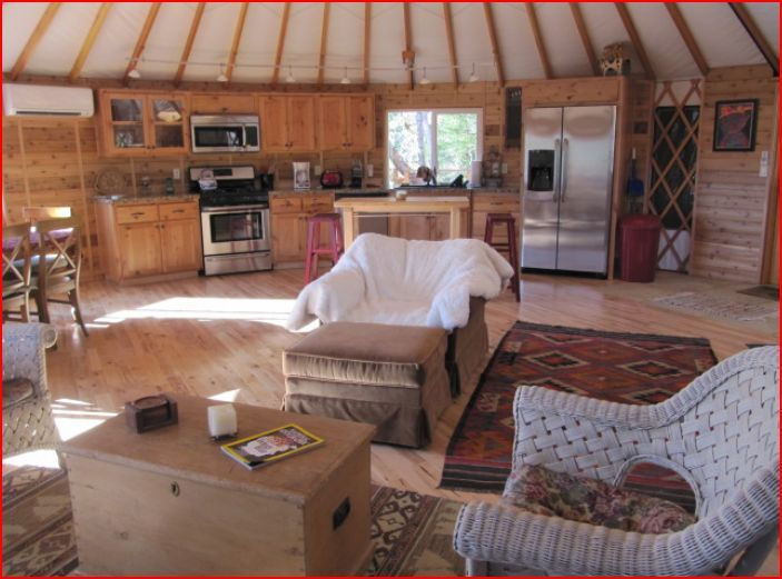 Luxery River Yurts in Southern Oregon