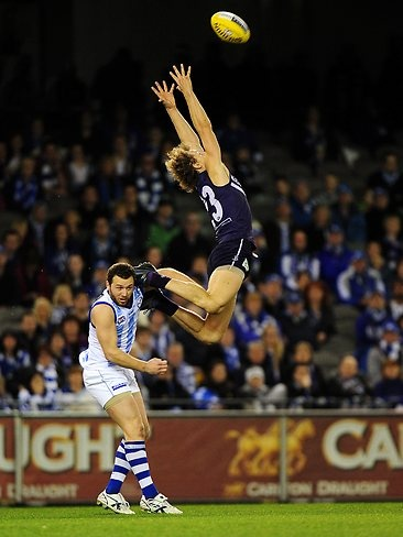 Chris Mayne flies in round 22 2012.