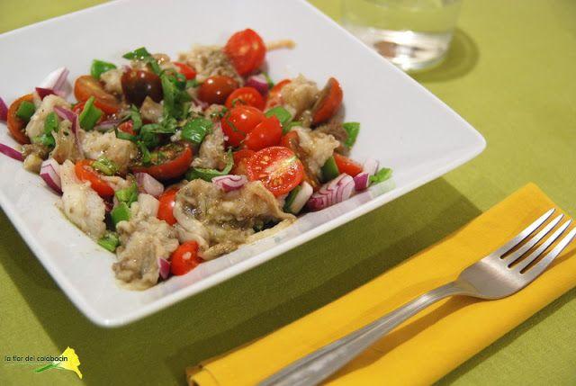 """La flor del calabacín: De la huerta a la mesa: ensalada tunecina de berenjena """"chamuscada"""", de Ottolenghi"""