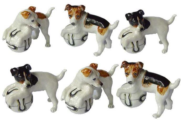 Собака с мячиком. Миниатюрные статуэтки из Франции, ручная роспись. Поставки под заказ раз в две недели, постоянно обновляемая коллекция в наличии в шоуруме. По вопросу покупки пишите whats app 89503167416, доставка во все регионы России
