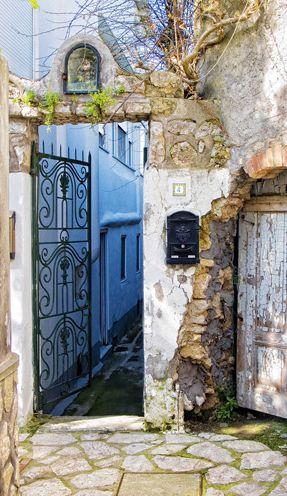 Anacapri, Italy: Doors, Naples Italy, Beautiful Italy, Anacapri Italy, Italy Rh, Beauty Place, Windows, Italy Gates, The World