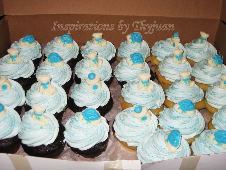 these chocolate and vanilla cupcakes were for a last minute baby shower order
