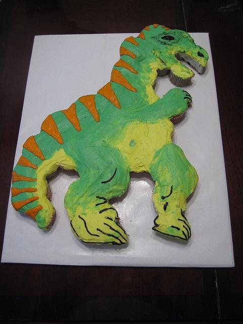 Dinosaur cupcake cake by Cakes by Kelly D, via Flickr