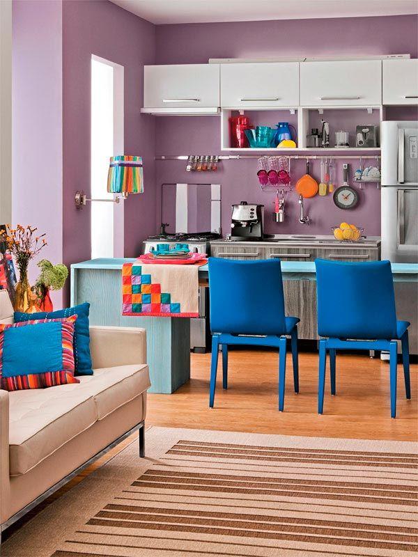 Cozinha super alegre e cheia de cores, assim fica mais gostoso cozinhar!