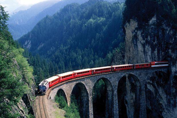 В апреле 2017 года в Швейцарии заработает туристический экскурсионный маршрут «Панорамный экспресс Готард». Такая экскурсия в Швейцарии пройдет через Люцерн, Флюелен, Беллинцону и Лугано.